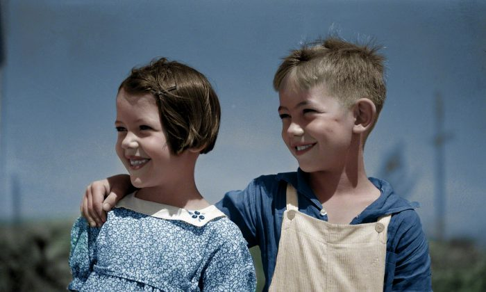 Children of homesteaders in Wichita Gardens in 1936.  (Colorized by Patty Allison)