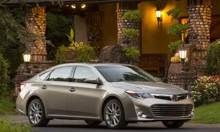 Toyota Avalon (Courtesy of NetCarShow)