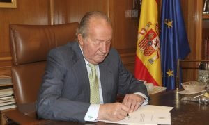 King of Spain Juan Carlos Abdicates after 40 Year on Throne (Video)