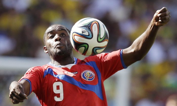 Costa Rica's Joel Campbell controls the ball during the group D World Cup soccer match between Costa Rica and England at the Mineirao Stadium in Belo Horizonte, Brazil, Tuesday, June 24, 2014. (AP Photo/Matt Dunham)