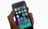 Cool iOS 8 Trick to Stop People Looking at All Your iPhone Photos (Video)