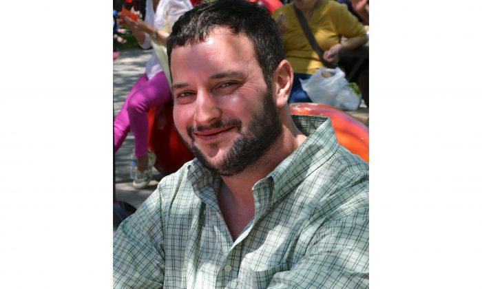 Matt Jones composed impromptu poems at ArtsPark Festival in Ottawa on May 31, 2014. (Pam McLennan/Epoch Times)