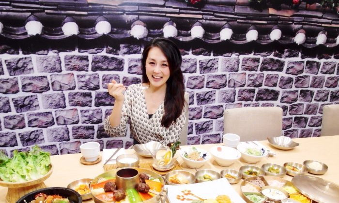 """Food Paradise"" host Cici Li. (Courtesy of NTD Television)"