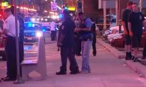 2 Teens Badly Injured in Chicago Laundromat Shooting (Video)