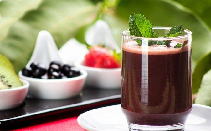 Acai juice (Shutterstock*)