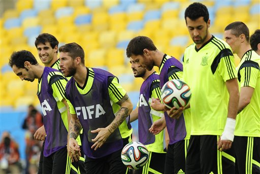 Spain's players attend a training session at the Maracana stadium in Rio de Janeiro, Brazil, Tuesday, June 17, 2014. Spain will play in group B of the Brazil 2014 World Cup. (AP Photo/Manu Fernandez)