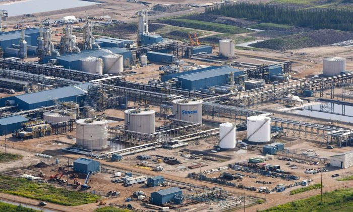 "The Suncor Firebag oil sands facility seen near Fort McMurray, on July 10, 2012. An Environment Canada study has found elevated levels of mercury in northern Alberta with the ""bull's-eye"" centred on oilsands developments. (The Canadian Press/Jeff McIntosh)"