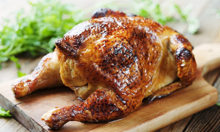 Thoroughly cooking chicken will kill any harmful bacteria, says the U.K.'s Food Standards Agency.(Liv Friis-Larsen)