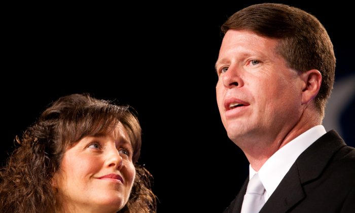Michelle (L) and Jim Bob Duggar speak at the Values Voter Summit on September 17, 2010 in Washington, DC. (Brendan Hoffman/Getty Images)