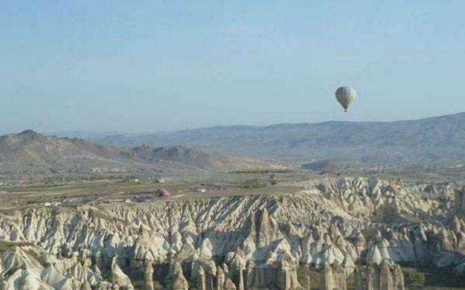 Hot Air Balloon (The Travel Magazine)