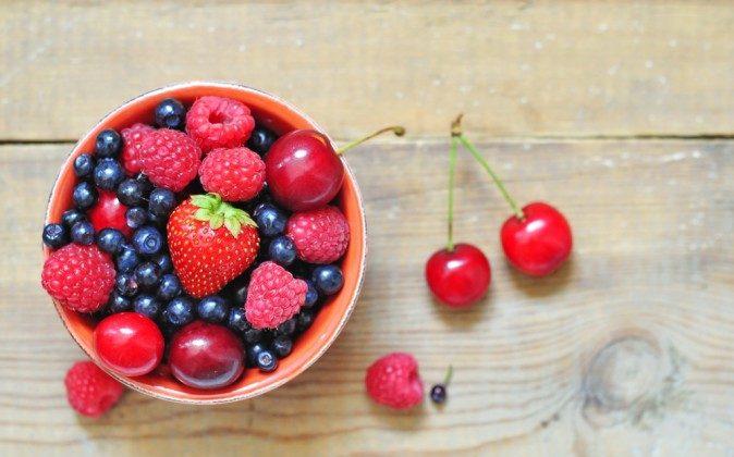 Blueberries, Raspberries and Cherries are in Season in New York in July. Enjoy! (Shutterstock*)