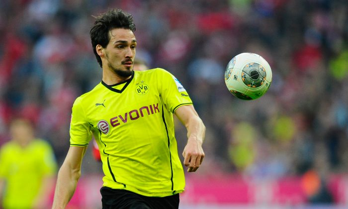 Mats Hummels of Dortmund in action during the Bundesliga match between FC Bayern Muenchen and Borussia Dortmund at Allianz Arena on April 12, 2014 in Munich, Germany. (Photo by Lennart Preiss/Bongarts/Getty Images)