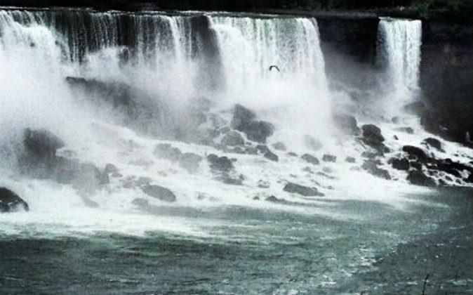 Niagara Falls (A Luxury Travel Blog)