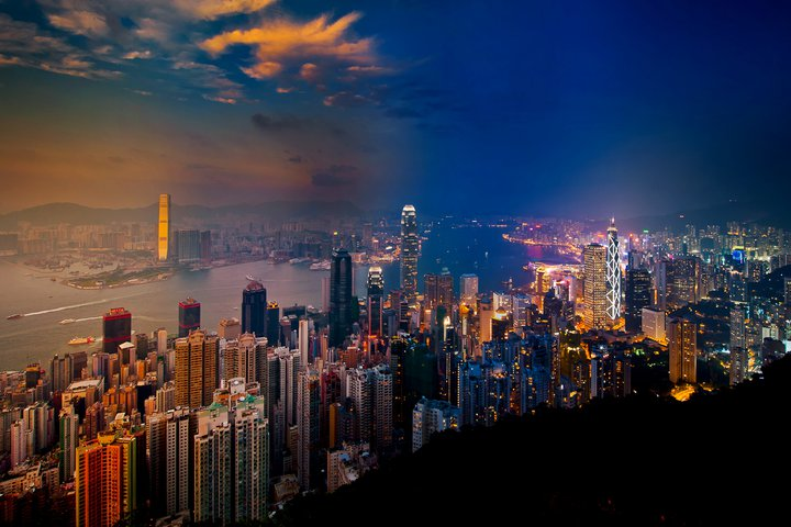 A view from Victoria Peak, a mountain in the western half of Hong Kong Island. (CoolBieRe)