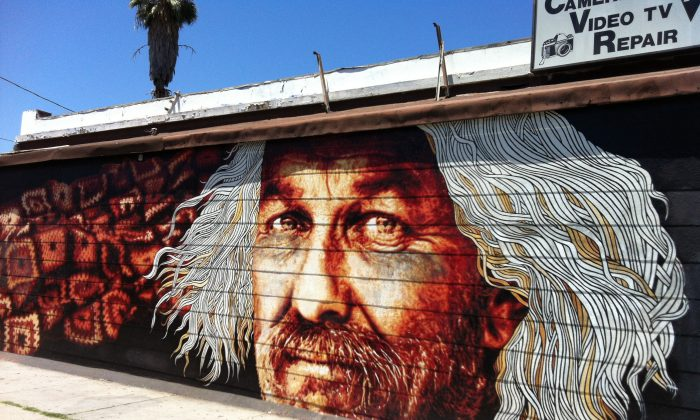 A mural by artist Kent Twitchell stands on Fountain Avenue in Los Angeles on July 24. (Sarah Le/Epoch Times)