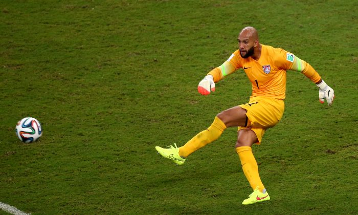 Goalkeeper Tim Howard of the United States in action during the 2014 FIFA World Cup Brazil Group G match between the United States and Portugal at Arena Amazonia on June 22, 2014 in Manaus, Brazil. (Elsa/Getty Images)