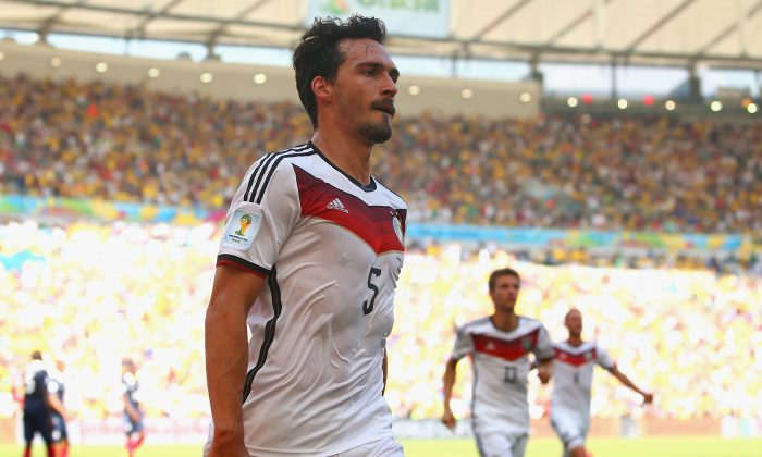Mats Hummels of Germany celebrates scoring his team's first goal during the 2014 FIFA World Cup Brazil Quarter Final match between France and Germany at Maracana on July 4, 2014 in Rio de Janeiro, Brazil. (Julian Finney/Getty Images)