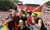 Germany World Cup Celebration Video: Watch Germany Football National Team Victory Parade Dance Moves, Trophy Unveiling (+Photos)