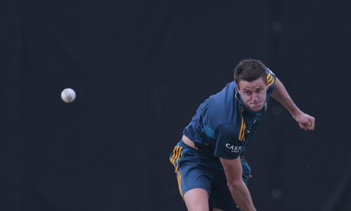 South African bowler Morne Morkel delivers a ball during a training session before their warm up game against Sri Lanka Board XI in Moratuwa on the outskirts of Colombo, Sri Lanka, Thursday, July 3, 2014. (AP Photo/Eranga Jayawardena)