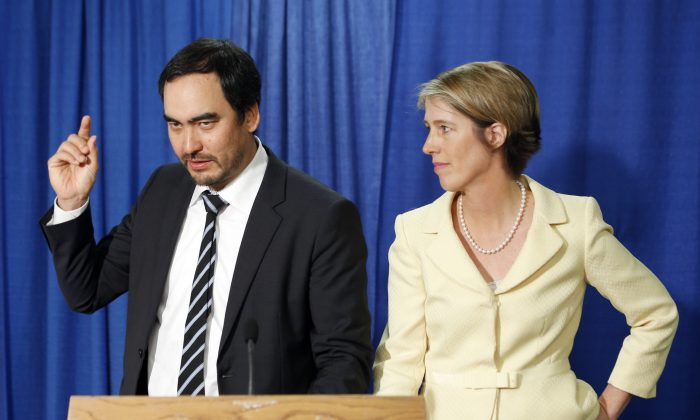 Democratic candidate for governor Zephyr Teachout (R), listens as her running mate Tim Wu speaks during a news conference in Albany, N.Y., on June 16, 2014. (AP Photo/Mike Groll)