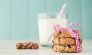 Healthy Chocolate Chip Cookies (Video)