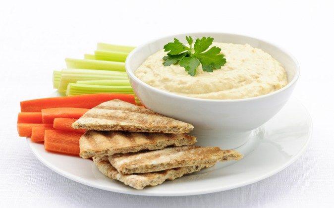 Hummus (Shutterstock*)