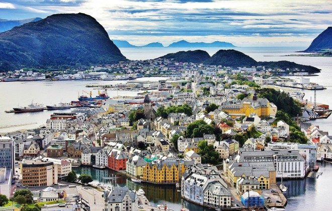 Panoramic view of Alesund (The Culture Map)