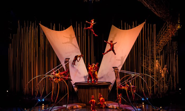 Cirque du Soleil costumes by Eiko Ishioka. © 2014 Cirque du Soleil (Martin Girard / shootstudio.ca)