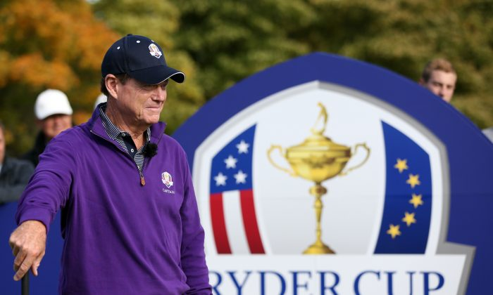 US team captain Tom Watson (L) has some tough choices to make in finalizing his Ryder Cup squad. (Ian MacNicol/AFP/Getty Images)