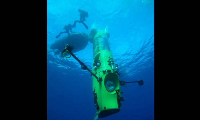 """Director James Cameron descends to the bottom of the sea in the Deepsea Challenger in """"Deepsea Challenge 3D."""" (National Geographic)"""