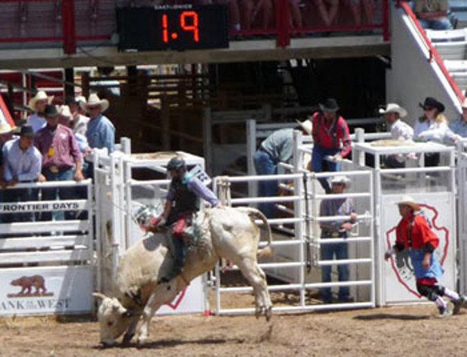 Bullriding action (Go Nomad)