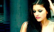 Fashion Model Review — Sabrina Pellunat
