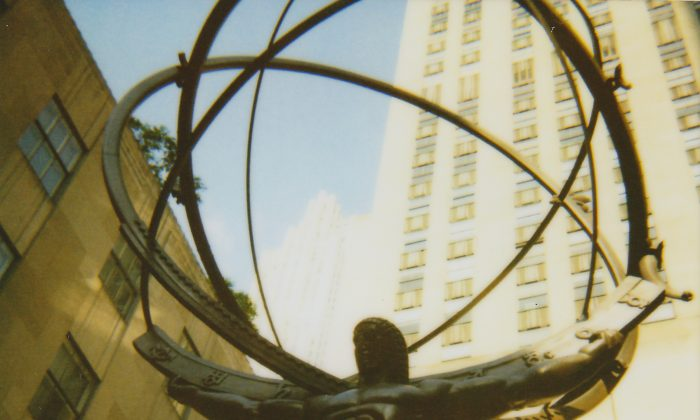 Atlas at Rockefeller Center, by  Sasha Kargaltsev from New York, US