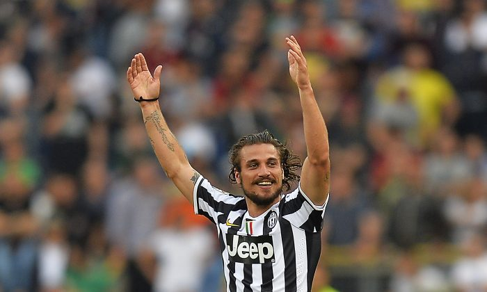 Juventus players Pablo Osvaldo celebrates after scoring at the end of the Italian Serie A football match AS Roma vs Juventus on May 11, 2014 at Rome's Olympic stadium. (ANDREAS SOLARO/AFP/Getty Images)