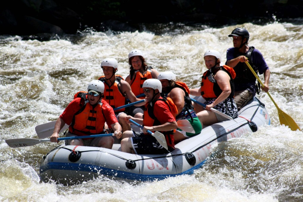 Rafting in Great Smoky Mountains (BesuDesu Abroad)