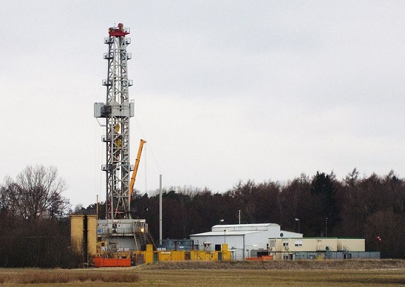 ExxonMobil's Hydraulic fracturing well in Germany. (Wikimedia Commons)