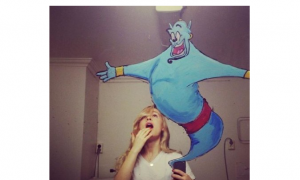 What this Artist Did With a Selfie and a Little Imagination is Surreal