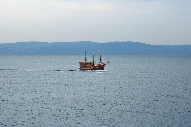 A ship near Split (Tomasz Lisowski, Adventurous Travels)