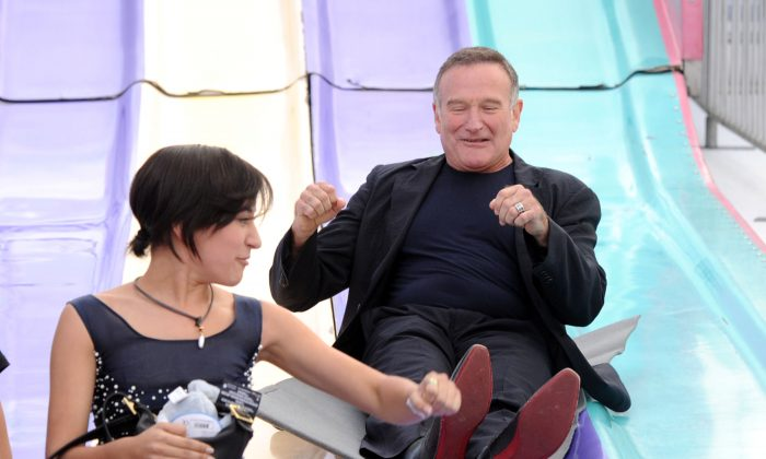 Actress Zelda Williams (L) and actor Robin Williams attend the Premiere of Warner Bros. Pictures' 'Happy Feet Two' at Grauman's Chinese Theatre on November 13, 2011 in Hollywood, California. (Kevin Winter/Getty Images)