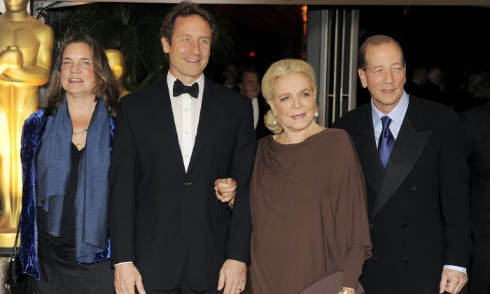 Lauren Bacall, second from right, poses with daughter Leslie Bogart, left, son Sam Robards, second from left, and son Stephen Humphrey Bogart at The Academy of Motion Picture Arts and Sciences 2009 Governors Awards, Saturday, Nov. 14, 2009, in Los Angeles. (AP Photo/Chris Pizzello)
