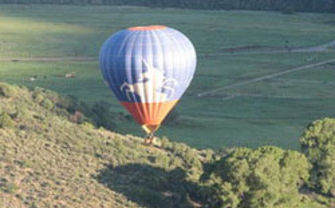 Ballooning in Snowmass Village, Colorado (Carly Blatt, Go Nomad)