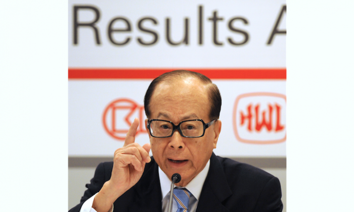 Li Ka-shing, chairman of Cheung Kong Holdings Ltd., speaks at a press conference in Hong Kong, on March 29, 2012. (Antony Dickson/AFP/Getty Images)