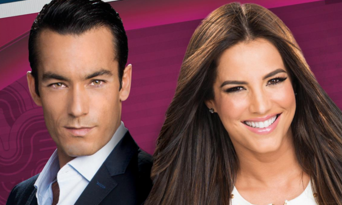 Aaron Diaz and Gaby Espino, the hosts of the Premios Tu Mundo awards show. (Telemundo)