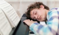 Learning to Play the Piano? Sleep on It!