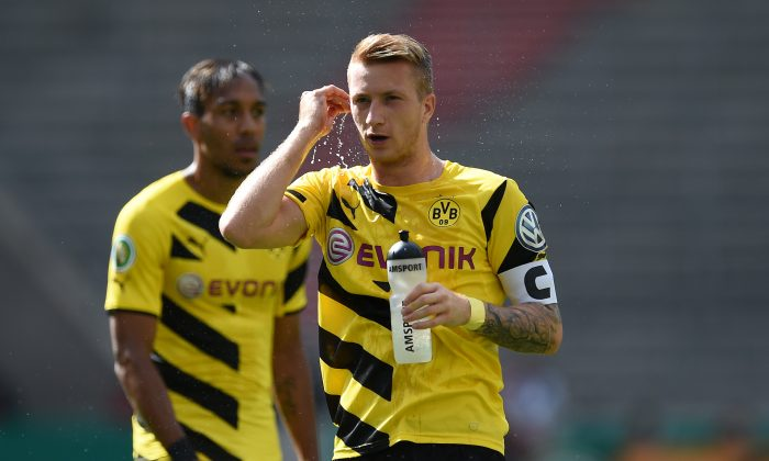 Marco Reus (R) of Dortmund seen during the DFB Cup first round match between Stuttgarter Kickers and Borussia Dortmund at Mercedes-Benz Arena on August 16, 2014 in Stuttgart, Germany. (Photo by Matthias Hangst/Bongarts/Getty Images)