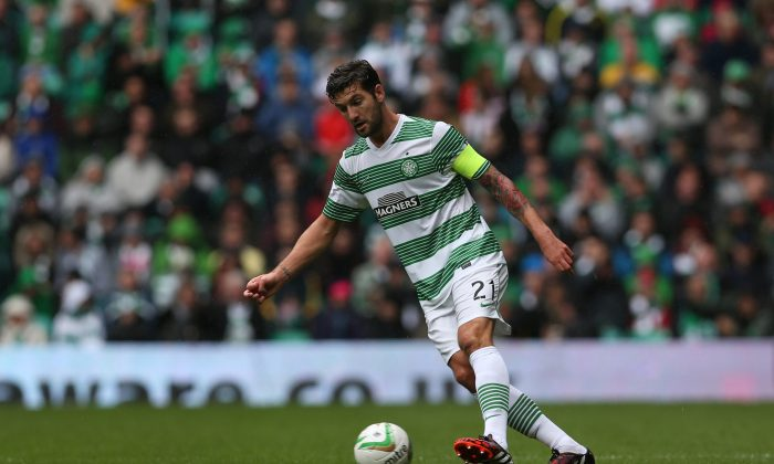 Charlie Mulgrew of Celtic controls the ball during the Scottish Premiership League Match between Celtic and Dundee United, at Celtic Park on August 16, 2014 Glasgow, Scotland. (Photo by Ian MacNicol/Getty Images)