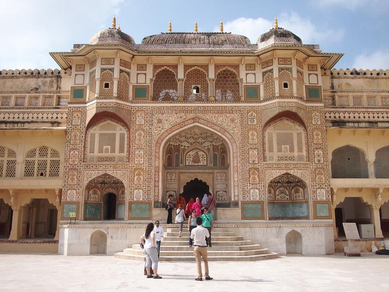 Ganesh Gate - Amber Fort (James Clark, Nomadic Notes)
