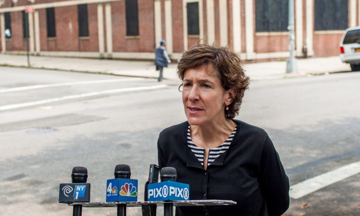 Gail B. Nayowith, executive director of SCO Family of Services, speaks to media about the nonprofit's pre-K enrollment, in Brooklyn, New York, on Tuesday, Aug. 26, 2014. (Petr Svab/Epoch Times)