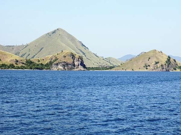 Komodo island(Vagabound Journey Travel)