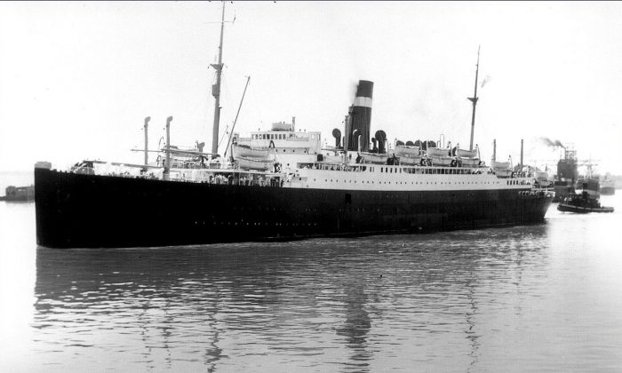 The sinking of the SS Athenia, seen here in Montreal Harbour in 1933, marked Canada's first losses in WWII when the ship was mistakenly attacked by a German U-boat. (National Archives of Canada)